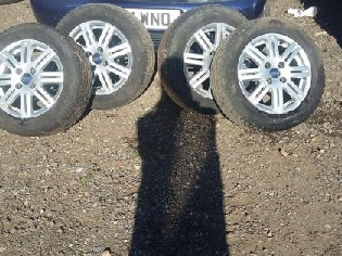 Set of 4 Wheels & Tyres